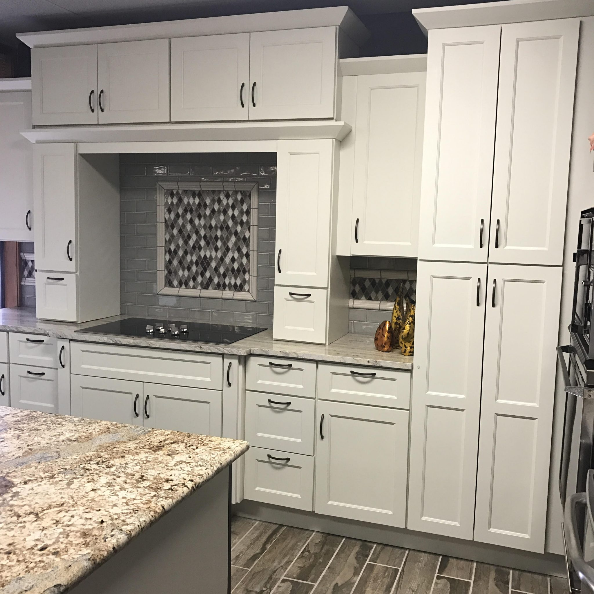 Kitchen Cabinets In Seattle: ABS Cabinets & Counters