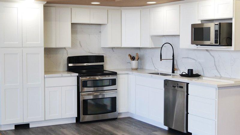 Modern White Shaker RTA Cabinets Seattle